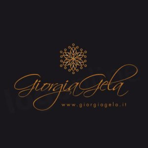 Logo a firma elegante color rame con elemento decorativo. Logonline.it